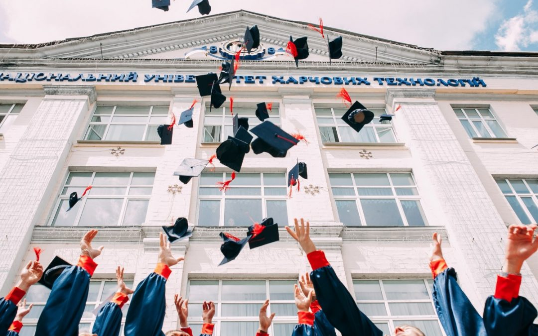 Top 7 Money Tips for New College Grads